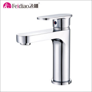 High Quality Solid Brass Chrome Plated Single Handle Kitchen Faucet pictures & photos