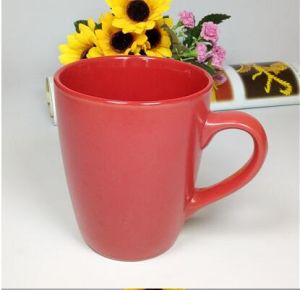 Wholesale 11oz Corlor Glaze Ceramic Mug with Spoon pictures & photos
