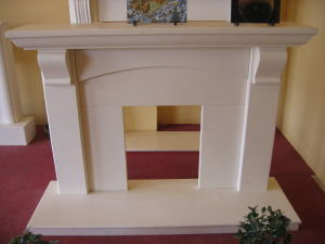 Western Style Indoor Natural Marble Fireplace Door Surround pictures & photos