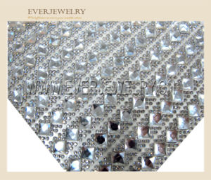 24*40 Wholesale Hot Fix Adhesive Rhinestone Sheet, Rhinestone Mesh Trimming for Garment pictures & photos