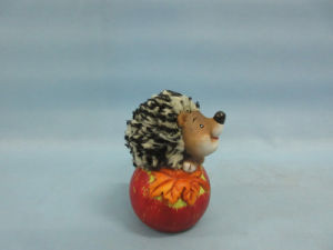 Apple Hedgehog Shape Ceramic Crafts (LOE2535-C8.5) pictures & photos