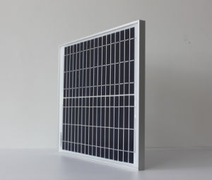 30W 18V Polycrystalline Silicon Solar Panel Charge for 12V Battery pictures & photos
