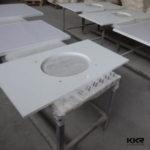 Project Use White Quartz Stone Kitchen Countertop pictures & photos