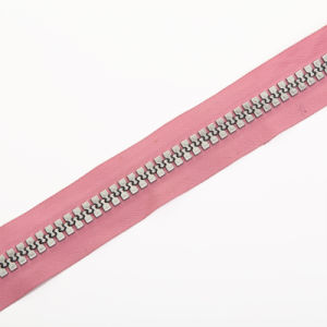 3#, 5#, 8#, 10# Multipurposed Plastic Zipper Longchain for Sales pictures & photos