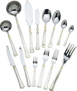 113 PCS Stainless Steel Flatware Set with Wood Case pictures & photos