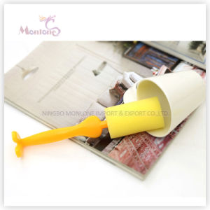19.3*3.7cm Novelty Cup Washing Brush, Bottle Cleaning Brush with Sponge pictures & photos