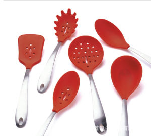 Colorful Tableware Silicone Spoon Silicone Rubber Spoon pictures & photos