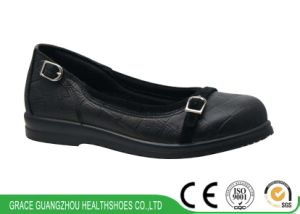 Grace Health Shoes Comfort Women Shoes with Light Outsole pictures & photos