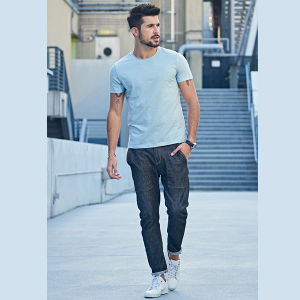 Wholesale Latest Design OEM 100% Cotton Summer Shirts for Men Pictures Round Neck Short Sleeve T-Shirt pictures & photos