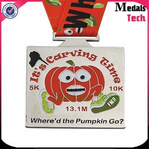 2017 China Medal Supplier Wholesale Halloween Marathon Soft Enamel Zinc Alloy Medal pictures & photos