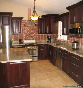 American Cherry Solid Wood Kitchen Cabinet Design pictures & photos