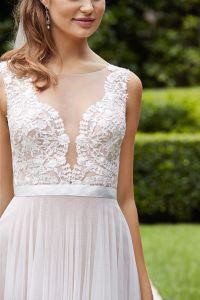 Designer Simple UK Soft Tulle Sheath Summer Wedding Dress pictures & photos