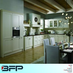 European Style L Shape Wooden Kitchen Cabinet for Private House pictures & photos
