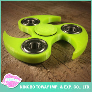 Heaven Gifts Wholesale Toys Triangle Fidget Hand Spinner pictures & photos