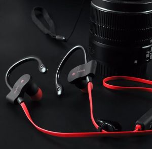 Hot S4 Sports Bluetooth Earphones, Music Smart Headphones, Stereo Wireless Waterproof Headphones pictures & photos
