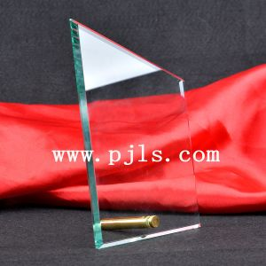 Irregular Glass Crystal Trophy Award with Pin Stand pictures & photos