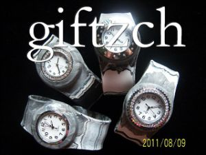 Griffin Camouflage Rhinestone Silicon Slap Watch (SLAP0034)