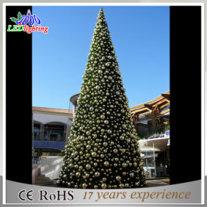 Colorful Outdoor Decoration PVC Artificial Giant Christmas Tree Light pictures & photos