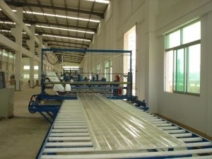 Continuous Corrugated/Flat FRP Gel Coat Sheet Product Machine (LR-1830A) pictures & photos