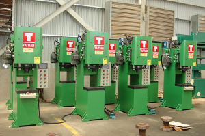 Hydraulic Punching Press for Z-Hook/C-Nipple (TT-5T) pictures & photos