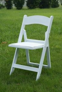 Resin Folding Chair with Vinyl Pad pictures & photos