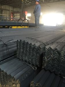High Quality Low Carbon Steel Angle for Construction pictures & photos