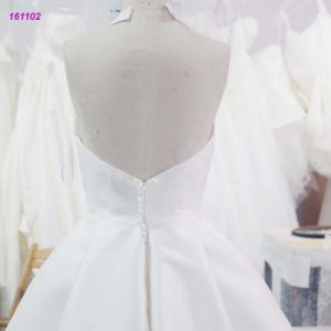 161102 Wholesale V-Neck Halter Backless A Line Wedding Dress with Sweep Train pictures & photos