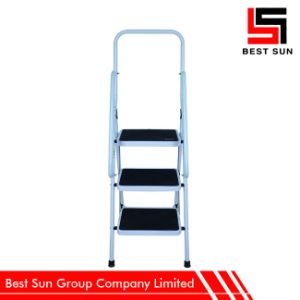 3 Step Domestic Step Ladders with Handrail pictures & photos