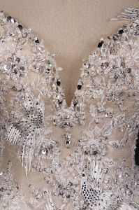 Embroidery V Back Applique Beads Ball Bridal Wedding Dress pictures & photos