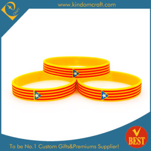 Customized Logo Souvenir Silicone Wristband in High Quality From China pictures & photos