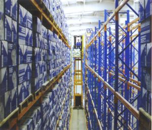 Very Narrow Aisle Storage Pallet Racking pictures & photos
