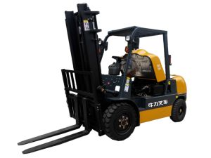 3.5 Ton Diesel Forklift Truck with Cummins Engine pictures & photos