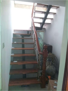 304 Stainless Steel Tube Wear Wooden Staircase Handrail pictures & photos
