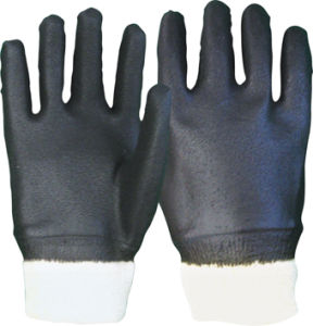 Sandy Finish Knit Wrist Black PVC Work Glove pictures & photos