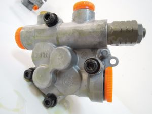 KOBELCO Hydraulic Pump Gear Pump For Excavator pictures & photos