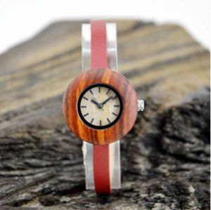 Red Leather Band Wooden Watch pictures & photos