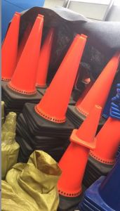 75cm 29.5inches Black Base Europe Model PVC Cone pictures & photos