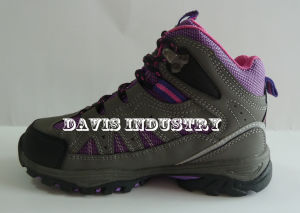 New Design Kids Outdoor Hiking Trekking Waterproof Sports Shoes with High Quality pictures & photos