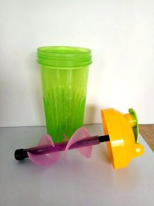 700ml Small Shaker Bottle/Personalised Protein Shaker/Mixer Cup pictures & photos