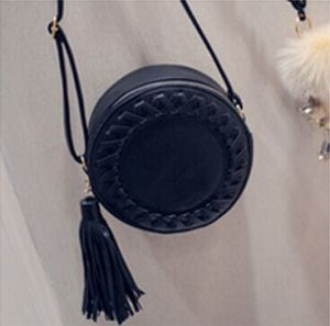 The New Tassel Skewed Shoulder Bag pictures & photos