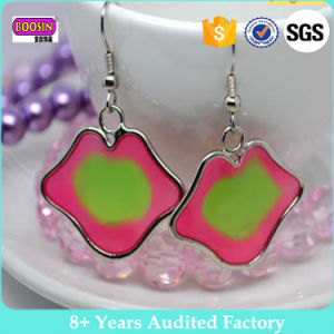 Custom Hanging Irregular Sexy Lip Earrings with Metal Enamel Colorful pictures & photos