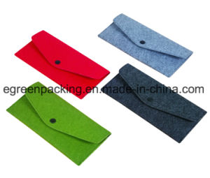 Fashion and Light Felt Bag/Case with Button for Eyeglasses /Sunglasses (F2) pictures & photos