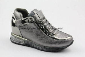 New Arrival Comfortable Women Shoes with Magic Tape Design pictures & photos