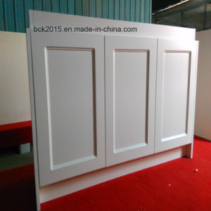 2017 The Latest Modelling of MDF White Matt Paint Bathroom Vainty with Frame pictures & photos