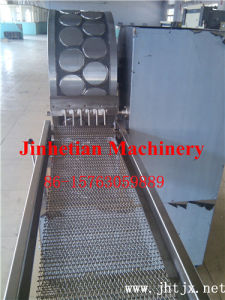 2016 Popular Long Lifetime Automatic Spring Roll Making Machine pictures & photos