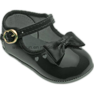 Bright PU Leather Baby Shoes 410 pictures & photos