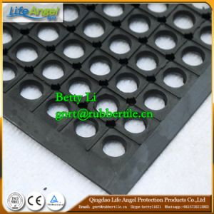 Heavy Duty Drainage Oil Resistance Round Hole Rubber Floor Mat pictures & photos