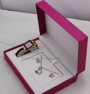 Women Fashion Gift Necklace Watch Set pictures & photos
