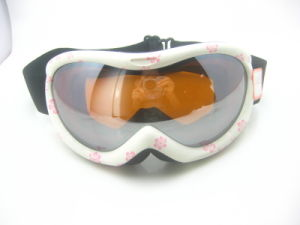 Newest Style Skateboard Safety Skiing Goggles pictures & photos