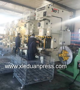 Auto Parts Metalwork Taiwan High Precisioin Cold Extrusion Press 200ton pictures & photos